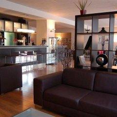 Отель Artis Suite Hotel Германия, Дрезден - отзывы, цены и фото номеров - забронировать отель Artis Suite Hotel онлайн гостиничный бар