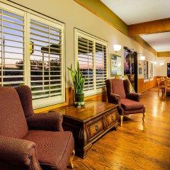 Отель Super 8 by Wyndham Lindsay Olive Tree интерьер отеля фото 2