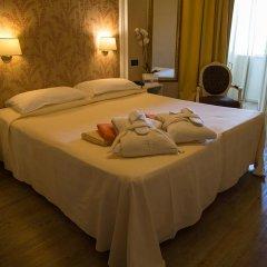 Отель Bellavista Terme Монтегротто-Терме сейф в номере
