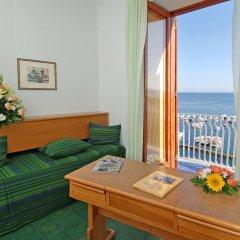 Отель La Bussola Италия, Амальфи - 1 отзыв об отеле, цены и фото номеров - забронировать отель La Bussola онлайн комната для гостей фото 3
