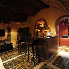 Отель Kasbah Hotel Tombouctou Марокко, Мерзуга - отзывы, цены и фото номеров - забронировать отель Kasbah Hotel Tombouctou онлайн гостиничный бар