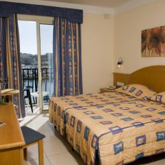 Отель Bayview Hotel by ST Hotels Мальта, Гзира - 4 отзыва об отеле, цены и фото номеров - забронировать отель Bayview Hotel by ST Hotels онлайн комната для гостей фото 2