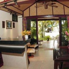 Отель Friendship Beach Resort & Atmanjai Wellness Centre 3* Стандартный номер с разными типами кроватей фото 12