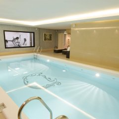 Дюк Отель бассейн