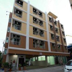 Отель Rattanasook Residence парковка