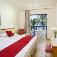 Queen's Bay Hotel комната для гостей