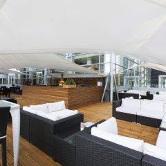 Hilton Warsaw Hotel & Convention Centre бассейн