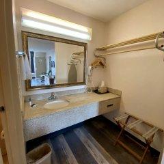 Отель Americas Best Value Inn-Marianna США, Марианна - отзывы, цены и фото номеров - забронировать отель Americas Best Value Inn-Marianna онлайн ванная