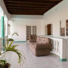 Отель Diamond Villas and Suites Ямайка, Монтего-Бей - отзывы, цены и фото номеров - забронировать отель Diamond Villas and Suites онлайн балкон