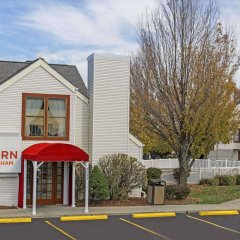 Отель Hawthorn Suites By Wyndham Airport Columbus East Колумбус парковка