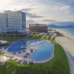 Отель Golden Peak Resort & Spa Камрань бассейн фото 2