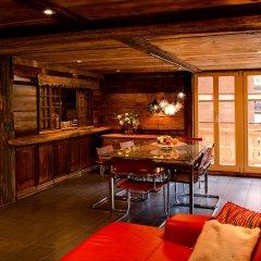 Отель Mountain Exposure Luxury Chalets & Penthouses & Apartments Швейцария, Церматт - отзывы, цены и фото номеров - забронировать отель Mountain Exposure Luxury Chalets & Penthouses & Apartments онлайн гостиничный бар