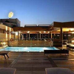 Отель Crowne Plaza Athens City Centre Греция, Афины - 5 отзывов об отеле, цены и фото номеров - забронировать отель Crowne Plaza Athens City Centre онлайн бассейн фото 3
