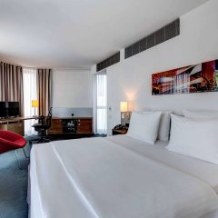 Отель Hilton Garden Inn Stuttgart Neckar Park комната для гостей