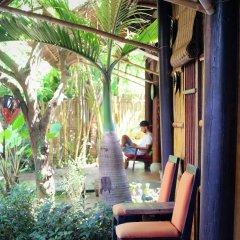 Отель Under the coconut tree балкон