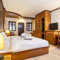 Отель Jang Resort сейф в номере