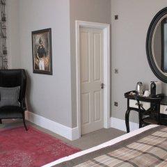Отель The Grafton Arms Лондон сейф в номере