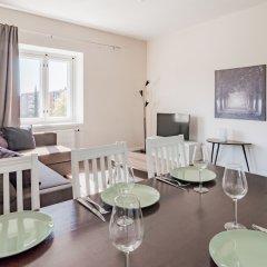 Апартаменты Local Nordic Apartments - Brown Bear Ювяскюля комната для гостей фото 2