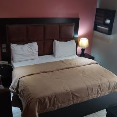 Отель Hard Break Hotel and Suite Нигерия, Энугу - отзывы, цены и фото номеров - забронировать отель Hard Break Hotel and Suite онлайн комната для гостей фото 2