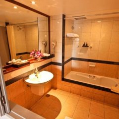 Отель Phuket Orchid Resort and Spa 4* Стандартный номер с разными типами кроватей фото 11