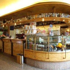 Отель Albergo Alla Campana Доло гостиничный бар