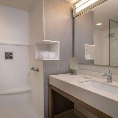 Отель Courtyard by Marriott Columbus OSU США, Блэклик - отзывы, цены и фото номеров - забронировать отель Courtyard by Marriott Columbus OSU онлайн ванная