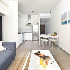 Отель Renovated & Sunny Apt W 3BR 3 Bathrooms Тель-Авив фото 12