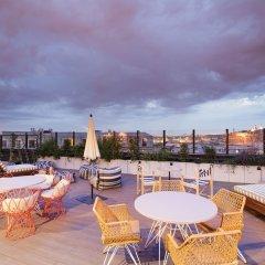 Отель Generator Paris Франция, Париж - 5 отзывов об отеле, цены и фото номеров - забронировать отель Generator Paris онлайн бассейн фото 3