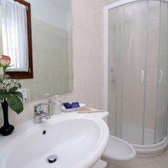 Отель Nice Hotel Италия, Маргера - отзывы, цены и фото номеров - забронировать отель Nice Hotel онлайн ванная