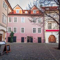 Отель Tyn Yard Residence Прага фото 4