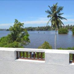 Отель Waterside Bentota Шри-Ланка, Бентота - отзывы, цены и фото номеров - забронировать отель Waterside Bentota онлайн балкон