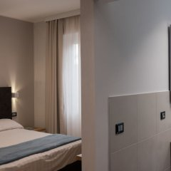 Hotel Doria Генуя сейф в номере