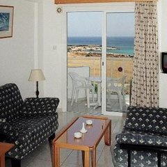 Отель Maistros Hotel Apartments Кипр, Протарас - отзывы, цены и фото номеров - забронировать отель Maistros Hotel Apartments онлайн комната для гостей фото 4