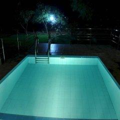 Отель Lake View Bungalow Yala бассейн