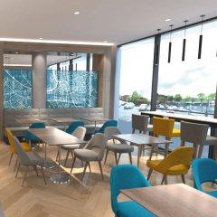 Отель Hampton by Hilton Belfast City Centre гостиничный бар