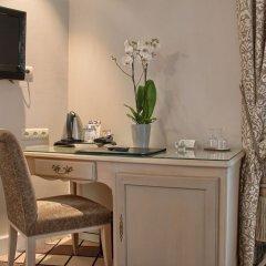Отель Champs Elysees Friedland Париж удобства в номере фото 2