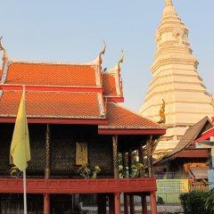 Отель Baan Talat Phlu Бангкок приотельная территория