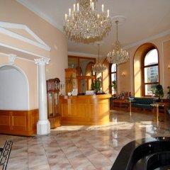 Отель Opera Чехия, Прага - 10 отзывов об отеле, цены и фото номеров - забронировать отель Opera онлайн интерьер отеля фото 2