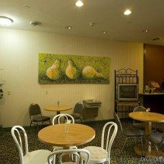 Отель Americas Best Value Inn Three Rivers питание фото 2