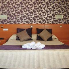 Отель Hostal Luis XV сейф в номере