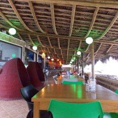 Отель Dharma Beach гостиничный бар