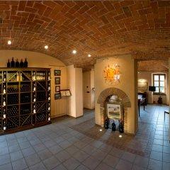 Отель Casa Svizzera Agriturismo Здание Barolo интерьер отеля фото 2