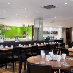 Отель Holiday Inn London-Bloomsbury Великобритания, Лондон - 1 отзыв об отеле, цены и фото номеров - забронировать отель Holiday Inn London-Bloomsbury онлайн питание фото 3