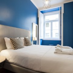 Апартаменты Baixa Vintage Three-Bedroom Apartment - by LU Holidays Лиссабон комната для гостей фото 5