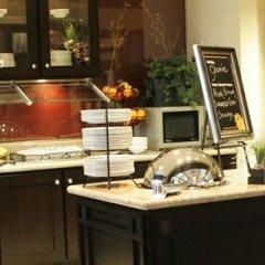 Отель Hampton Inn by Hilton Toronto Airport Corporate Centre Канада, Торонто - отзывы, цены и фото номеров - забронировать отель Hampton Inn by Hilton Toronto Airport Corporate Centre онлайн в номере