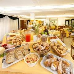 Отель c-hotels Club House Roma питание
