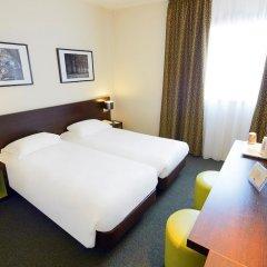 Hotel Kyriad Orly Aéroport Athis Mons комната для гостей фото 3