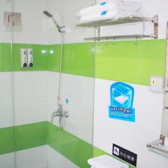 Отель 7Days Inn Chongqing Bishan Yingjiatianxia Commercial Pedestrian Street Китай, Шуанфу - отзывы, цены и фото номеров - забронировать отель 7Days Inn Chongqing Bishan Yingjiatianxia Commercial Pedestrian Street онлайн ванная