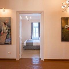 Отель Home and Art Suites комната для гостей фото 5