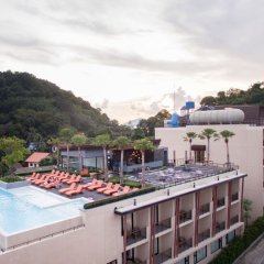 Отель Bandara Phuket Beach Resort бассейн